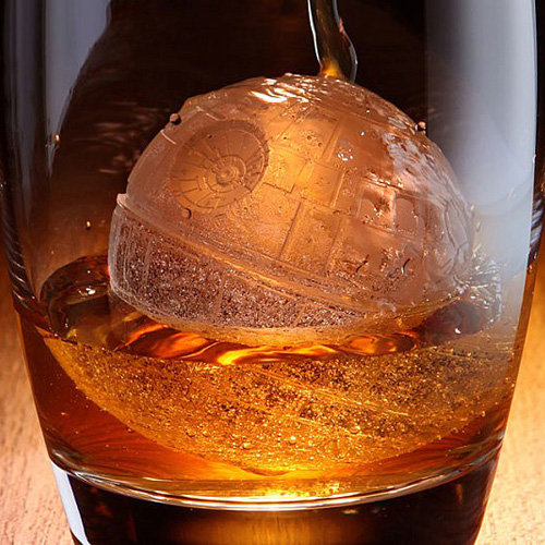 Death-Star-Ice-Cube-Tray-1